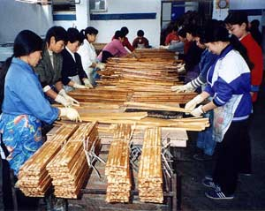 Production of glued bamboo in China